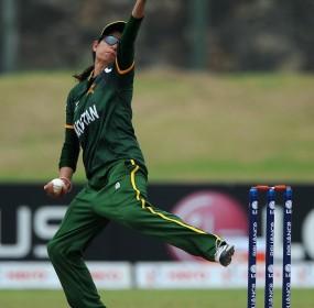 Pakistan captain Sana Mir picked up two wickets, England v Pakistan