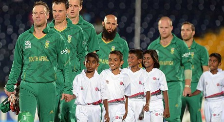 South Africa make their way out for the national anthems, South Africa v Zimbabwe, World T20 2012