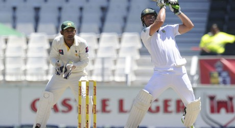 AB de Villiers opened his shoulders, South Africa v Pakistan, 1st Test, Johannesburg, 3rd day