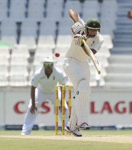 Nasir Jamshed plays into the leg side, South Africa v Pakistan, 1st Test, Johannesburg, 3rd day