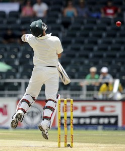 South Africa's bowlers repeatedly made Pakistan's batsmen squirm, South Africa v Pakistan, 1st Test, Johannesburg, 2nd day