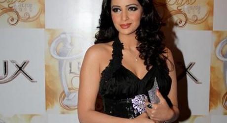 Saba Qamar Hot Pakistani Fashion Model