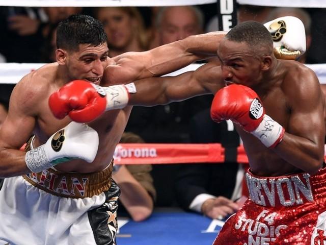 Amir Khan v Devon Alexander fight Pictures