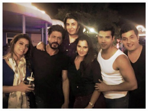Sania Mirza Selfie In Shahrukh Dinner Party