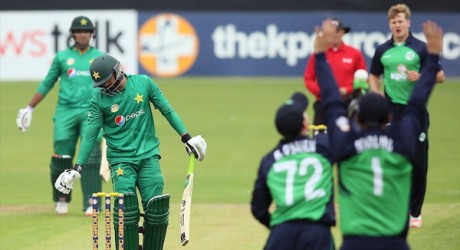 Azhar-Ali-against-Ireland