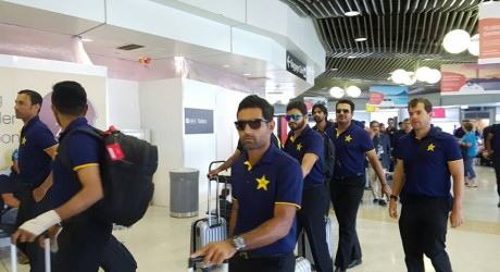 Pakistan-Cricket-Team-Arrives-In-Brisbane-Ahead-of-Australia-Test92932006_201612126532