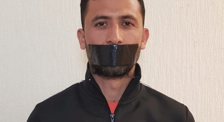 Junaid Khan Protests Uniquely by Tapping his Mouth