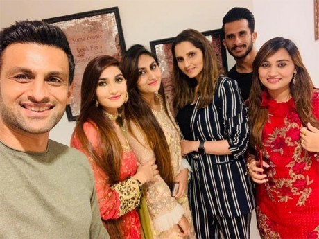 Hassan Ali and his wife were invited by Shoaib Malik