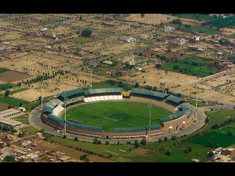 Multan Sultan vs Peshawar Zalmi at Multan Staduim
