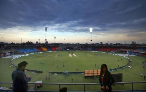 Lahore Qalanadars vs Peshawar Zalmi Match 24 at Gaddafi Stadium Lahore